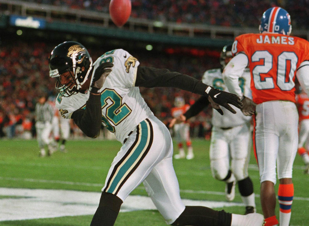 6-jaguars-upset-broncos-1996-playoffs_pg